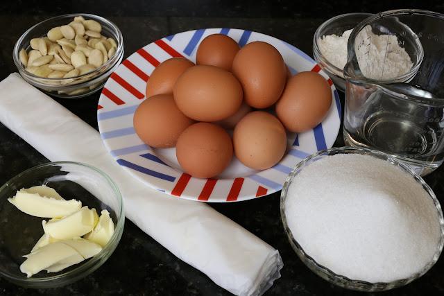 Ingredientes para tarta de almendras y yema
