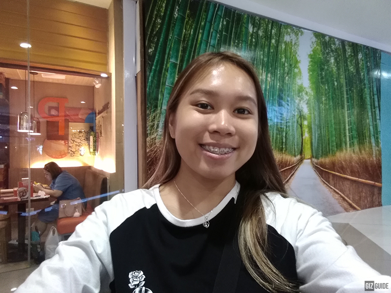 Huawei Y6 2018 Indoor Selfie 2