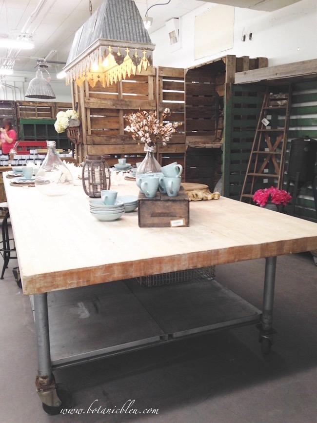 industrial-wood-metal-table