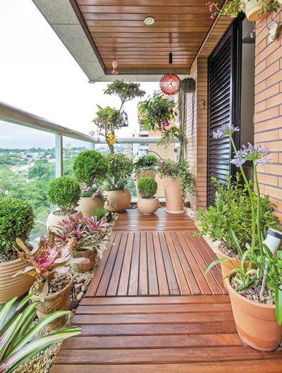 Saiba como aproveitar o máximo do espaço da sua varanda, para deixar-la ainda mais aconchegante.