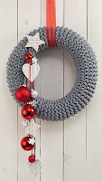 ghirlanda natalizia fai da te con tubolare lana