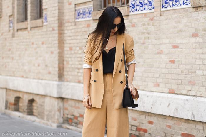 Look Urban Chic con traje chaqueta blazer cruzada pantalon ancho camel de Zara BLog de moda tendencias belleza estilo de Valencia