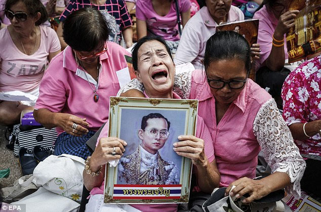 Thailand mourns world's longest-serving leader, King Bhumibol