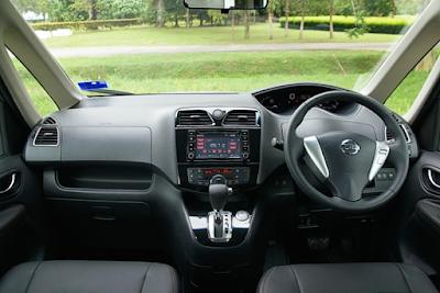 Interior Dashboard Nissan Serena C26 Facelift