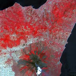 ستون صورة مدهشة لكوكب الأرض من الأقمار الصناعية 411.jpg