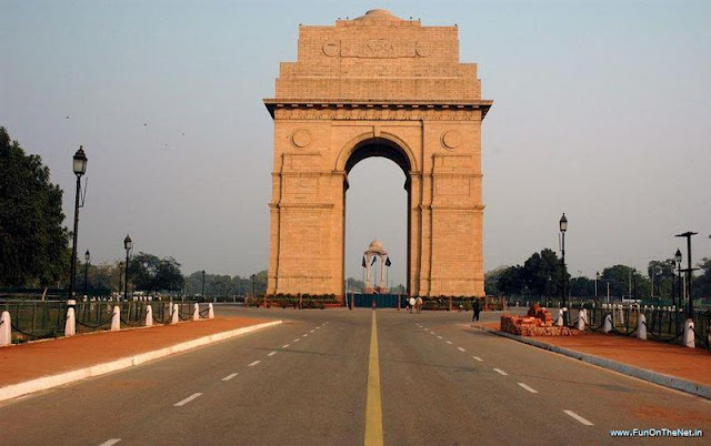 Delhi - To See The Famous Iconic Monuments With Friends