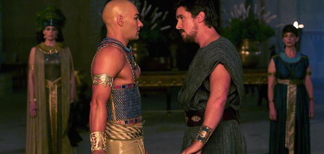 Christian Bale şi Joel Edginton în filmul Exodus: Gods and Kings