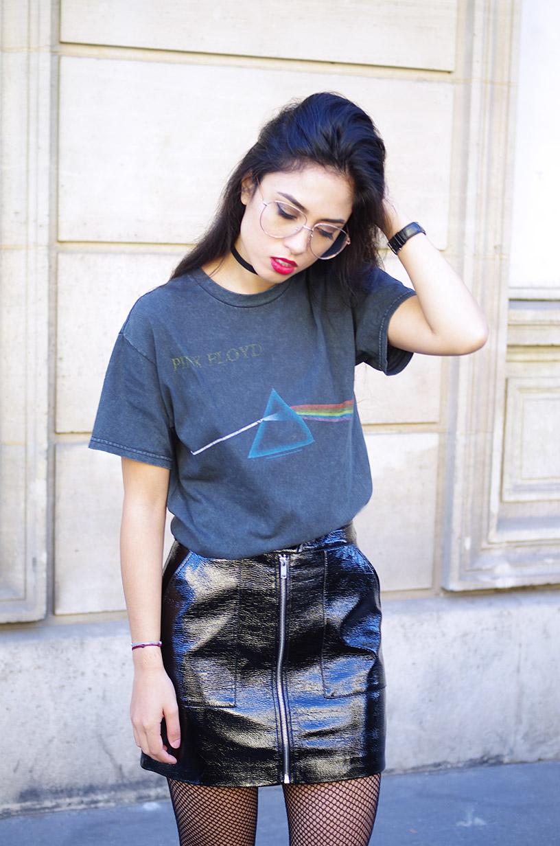 Elizabeth l Black vinyl skirt l Fall fashion trend l THEDEETSONE l http://thedeetsone.blogspot.fr