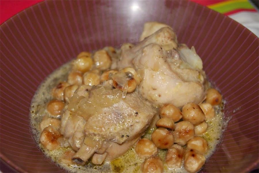 Pollo con avellanas