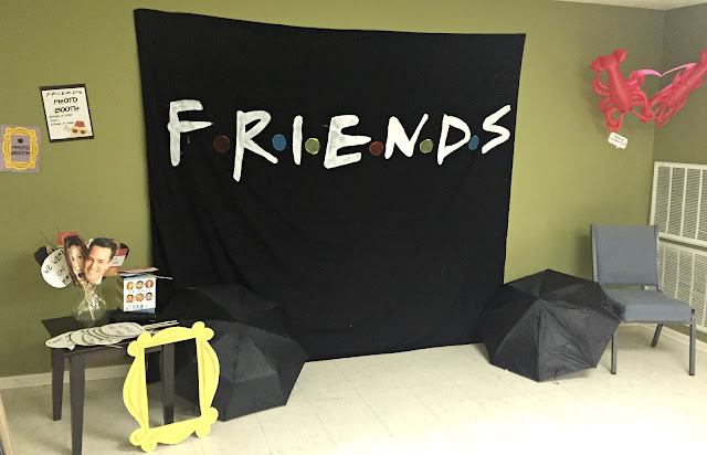 southern bluebird day ultimate friends themed 30th birthday party. Black Bedroom Furniture Sets. Home Design Ideas