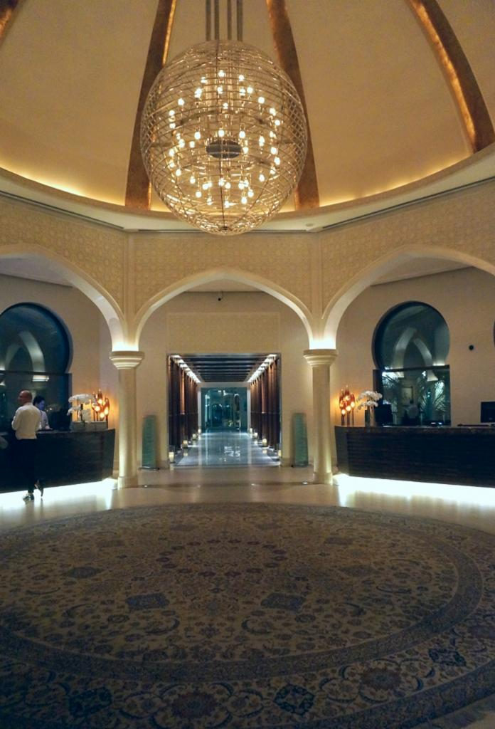 Euriental - fashion & travel blogger, Park Hyatt Dubai, lobby