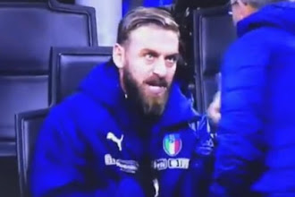 Να γιατί η Ιταλία... | Έξαλλος ο Ντε Ρόσι με τον Βεντούρα, φώναζε να μπει Ινσίνιε και όχι ο ίδιος! (video)