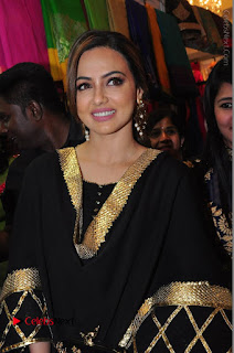 Bollywood Actress Sana Khan Launches Aakrithi Exibition  0114.JPG