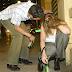 Парень привел домой пьяную девушку… что он увидел утром – отвратительно!