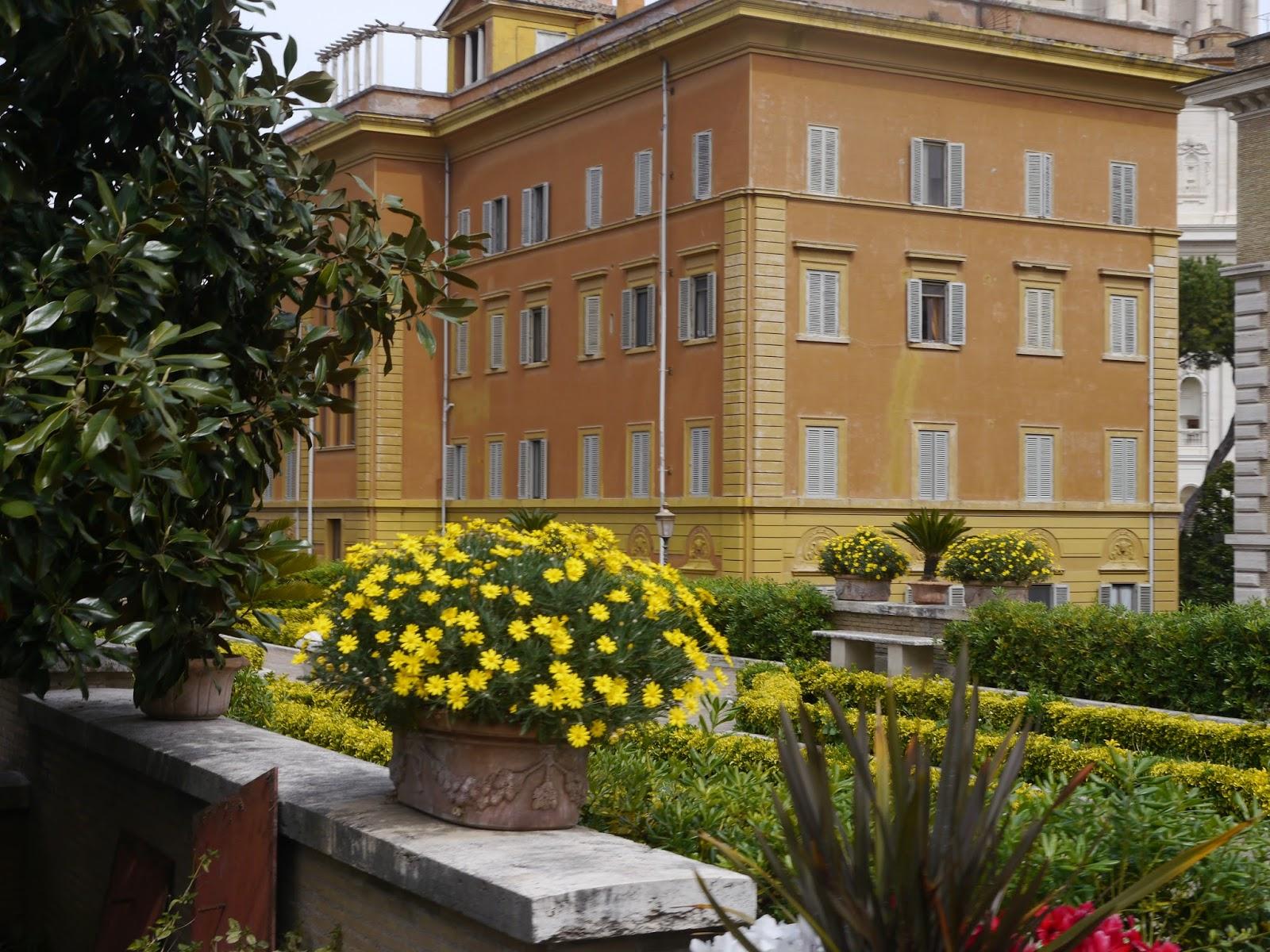 Cucina Divina: Tour of the Vatican Gardens