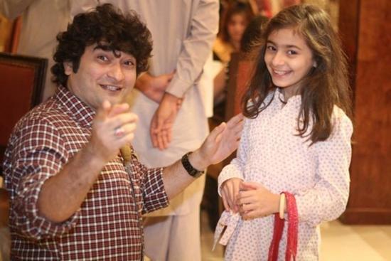 Danish Nawaz with his daughter