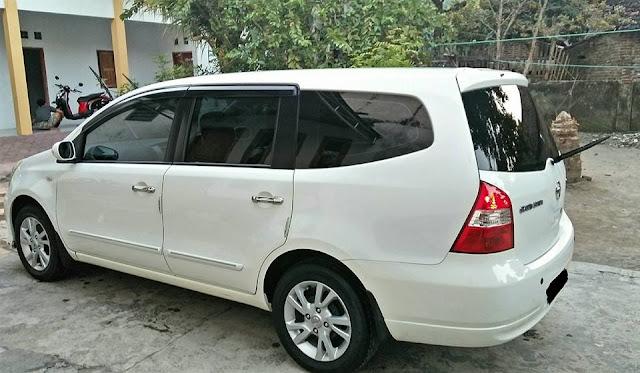 Nissan Grand Livina 1.5 XV tahun 2012