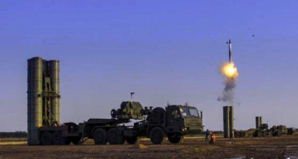 S-300 menembakkan rudal