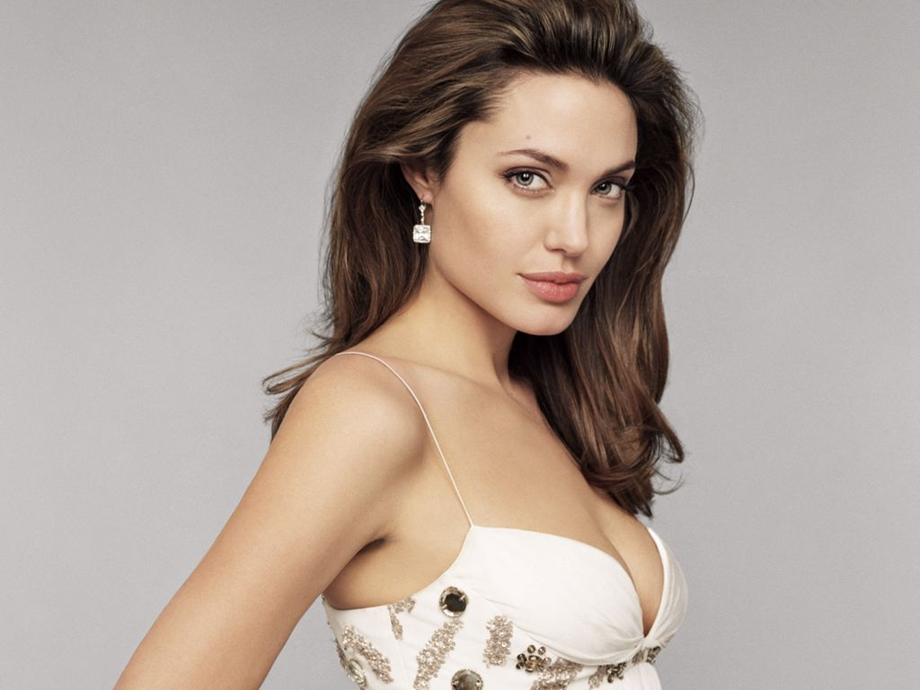 Angelina Jolie Hot Pictures, Photo Gallery  Wallpapers -7906