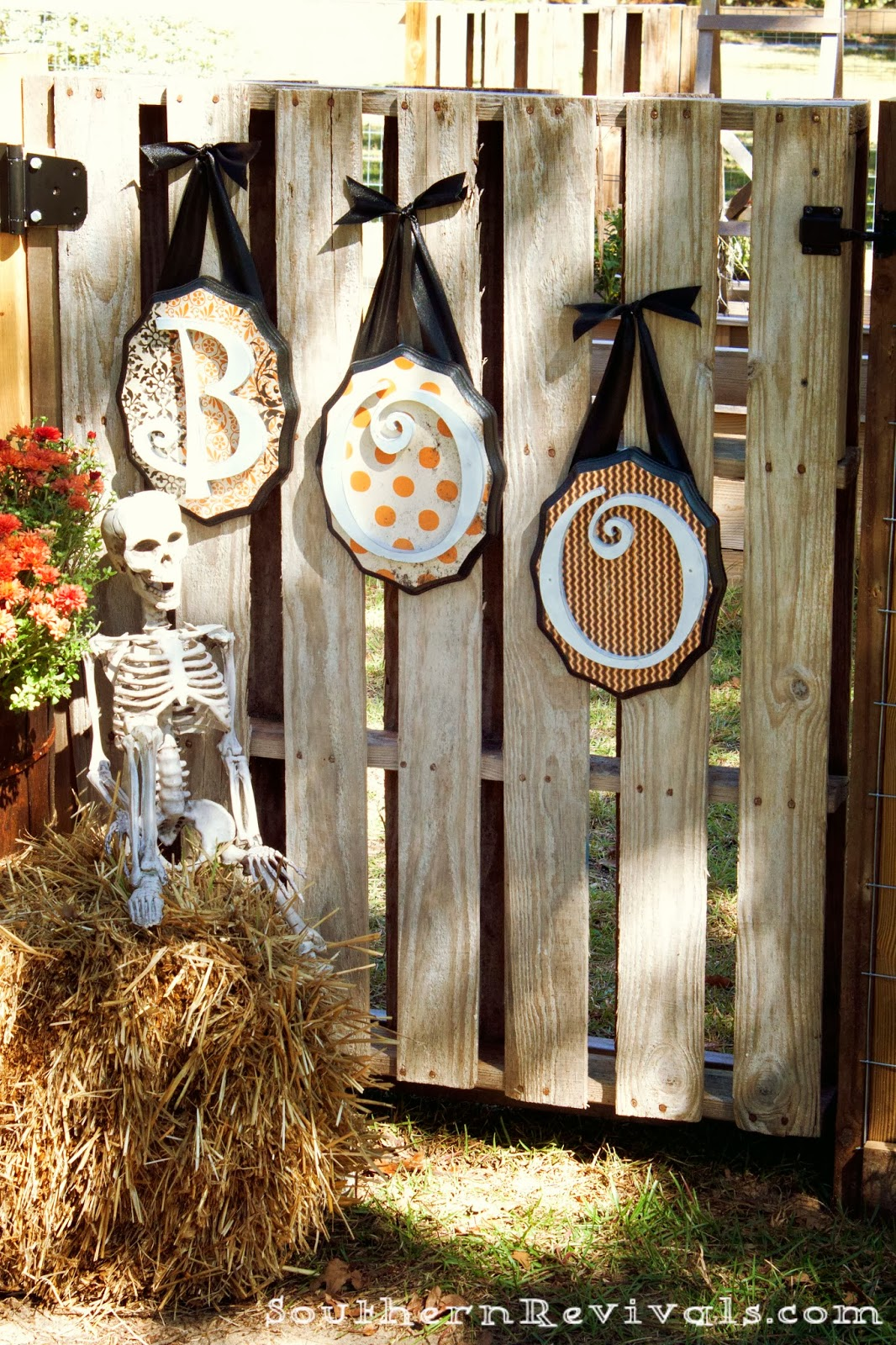 DIY Wooden Halloween Greetings  Southern Revivals