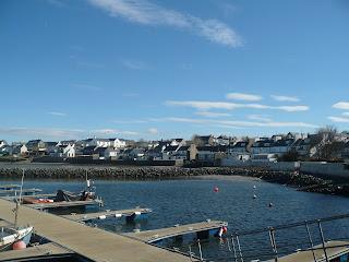 prístav v dedinke Bowmore, ostrov Islay