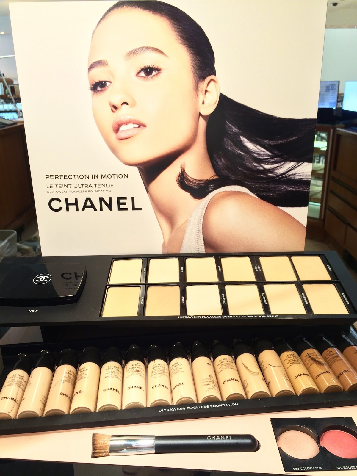 Chanel Le Teint Ultra Tenue Ultrawear Flawless Foundation Swatches & Review