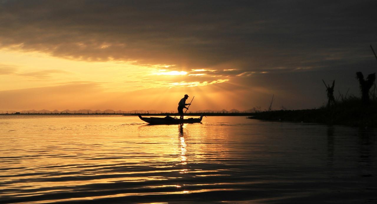 Danau Tempe merupakan salah satu danau terdalam di Indonesia