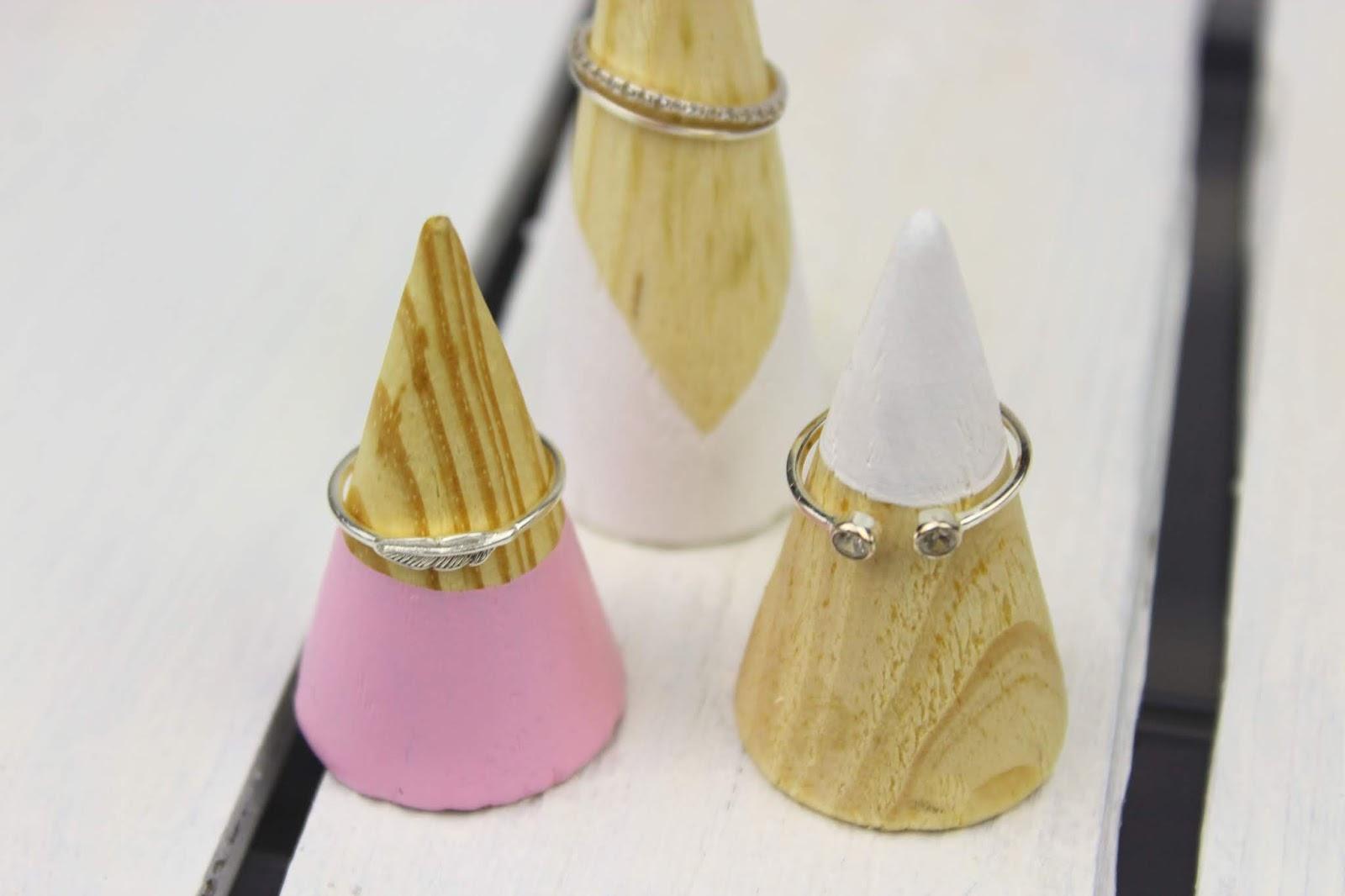 DIY Ringhalter aus Holz - die perfekte, selbstgemachte Schmuckaufbewahrung