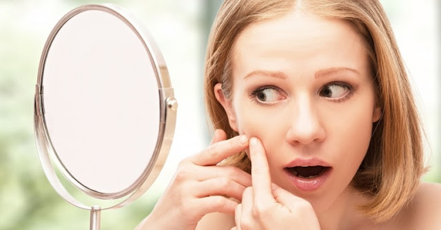 To-keep-away-the-problems-of-acne-during-the-period