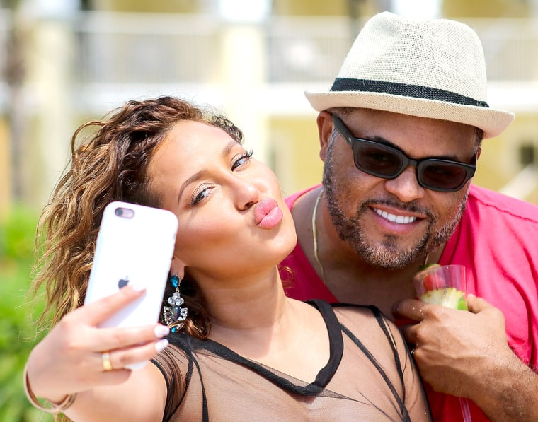 Moving from online dating to the phone 2