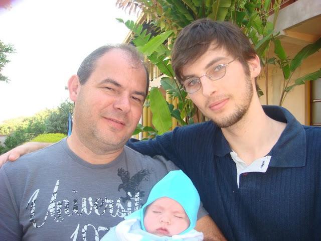Foto minha, com meu pai e com meu filho.