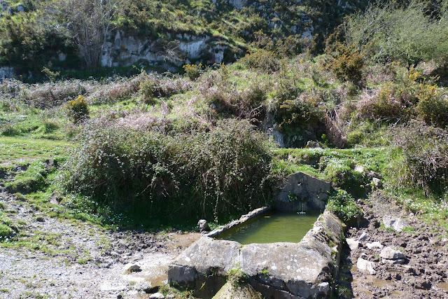 Fuente La Bobia - Sierra de Pesquerín - Asturias