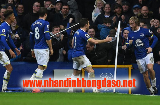 Swansea City vs Everton www.nhandinhbongdaso.net