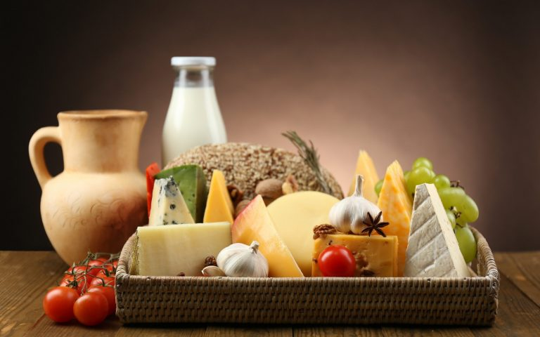 Bố mẹ cần biết lựa chọn đúng loại sữa nào giúp trẻ tăng cân
