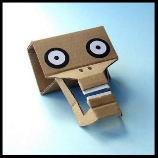 personajes con cartón reciclado