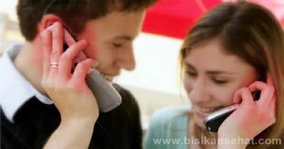 Cara Mencegah Bahaya Radiasi Handphone