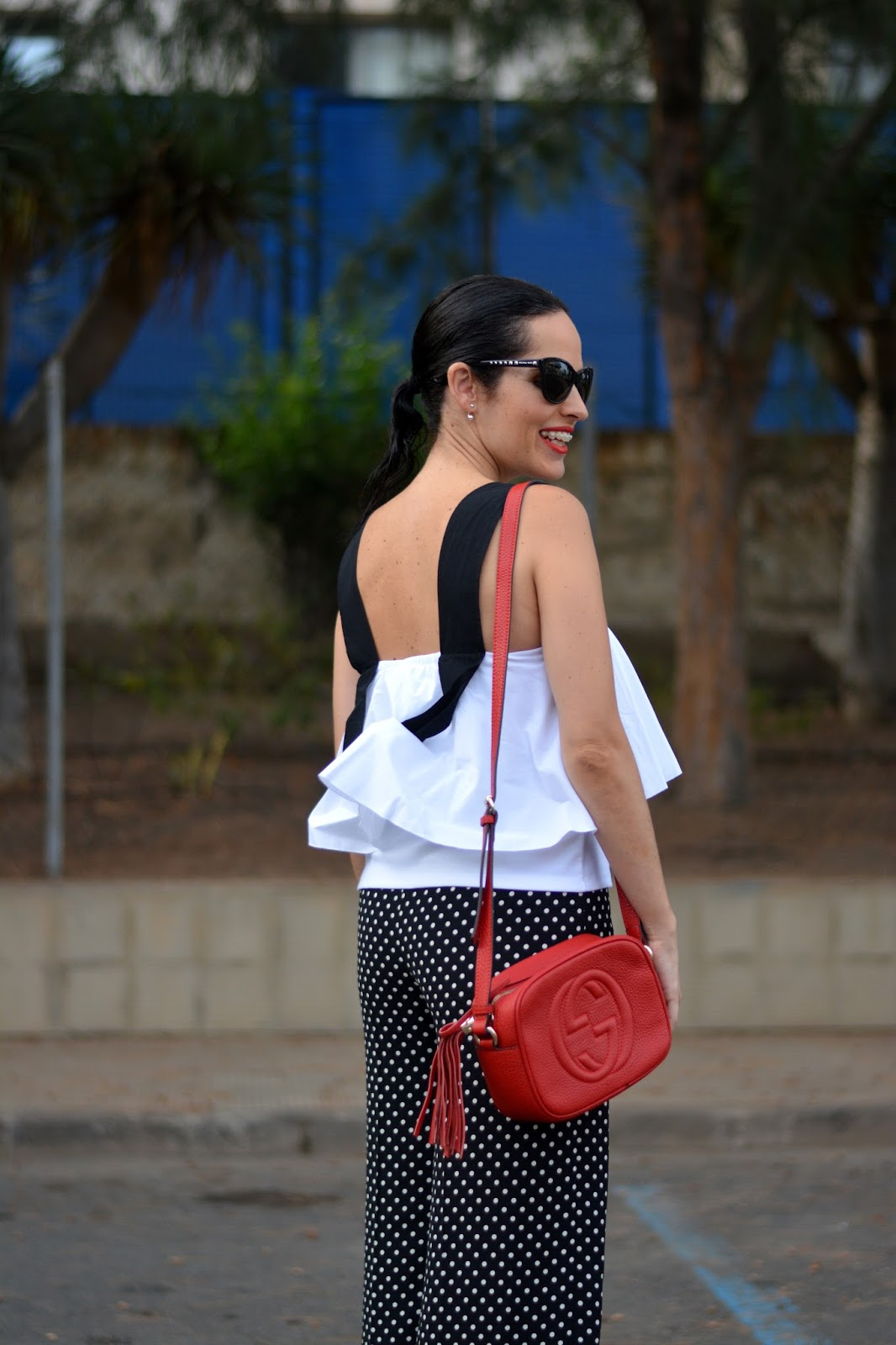 zara-top-black-and-white-outfit