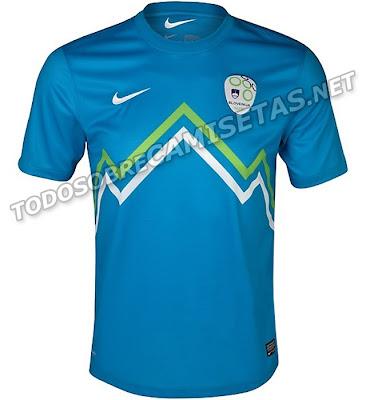 32b01449fc Achei a camisa da Eslovênia meio sem graça. Talvez pudessem usar de outra  forma as cores branca e verde.