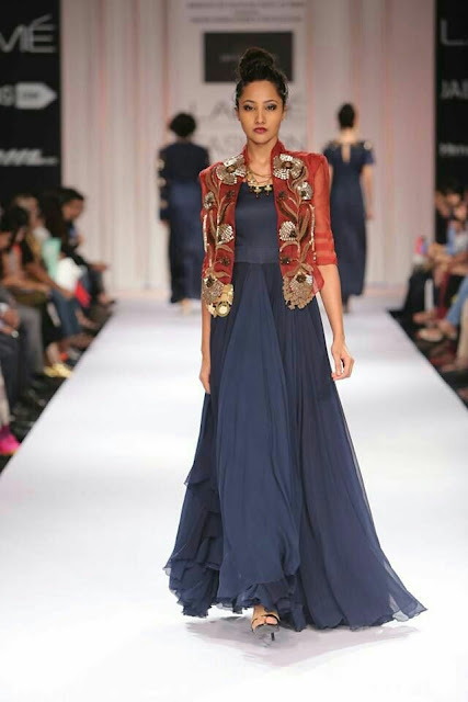If Capes Are Not Your Thing Then Try Layering Simple Floor Length Anarkalis With An Embelisshed Short Jacket