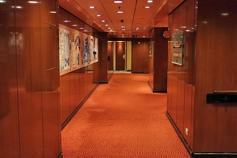 Ship-Photo: Queen Mary 2 - interior photos