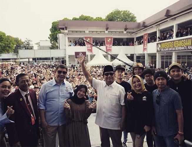 Nissa Sabyan bersama Prabowo