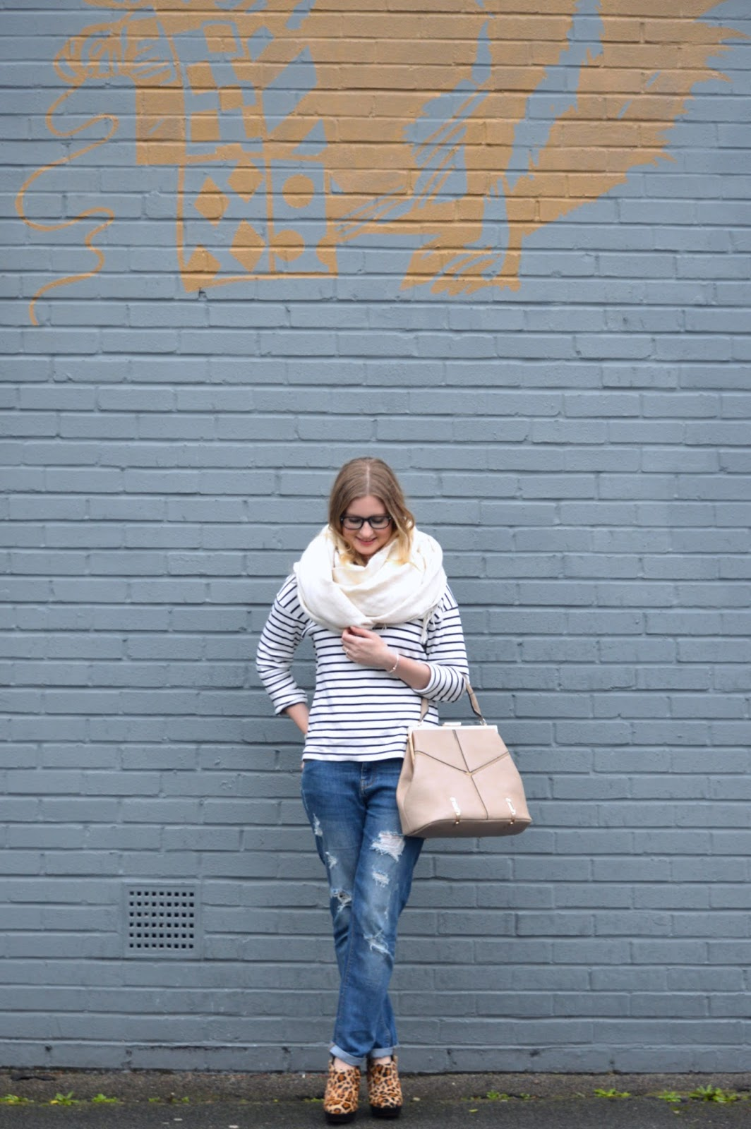 How to wear boyfriend style jeans, fashion bloggers, street style, Hampshire bloggers
