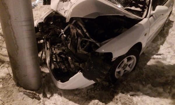 В Башкирии иномарка сбила пешехода и въехала в столб