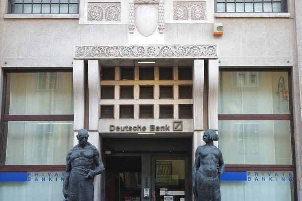italie trieste liberty banque prague