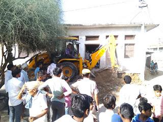 बुंदी जिले के खोत्या गाँव से प्रशासन ने अतिक्रमण हटाया