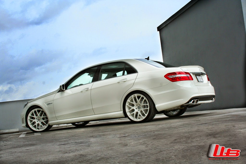 mercedes benz w212 e63 amg on hre performance p40 wheels. Black Bedroom Furniture Sets. Home Design Ideas