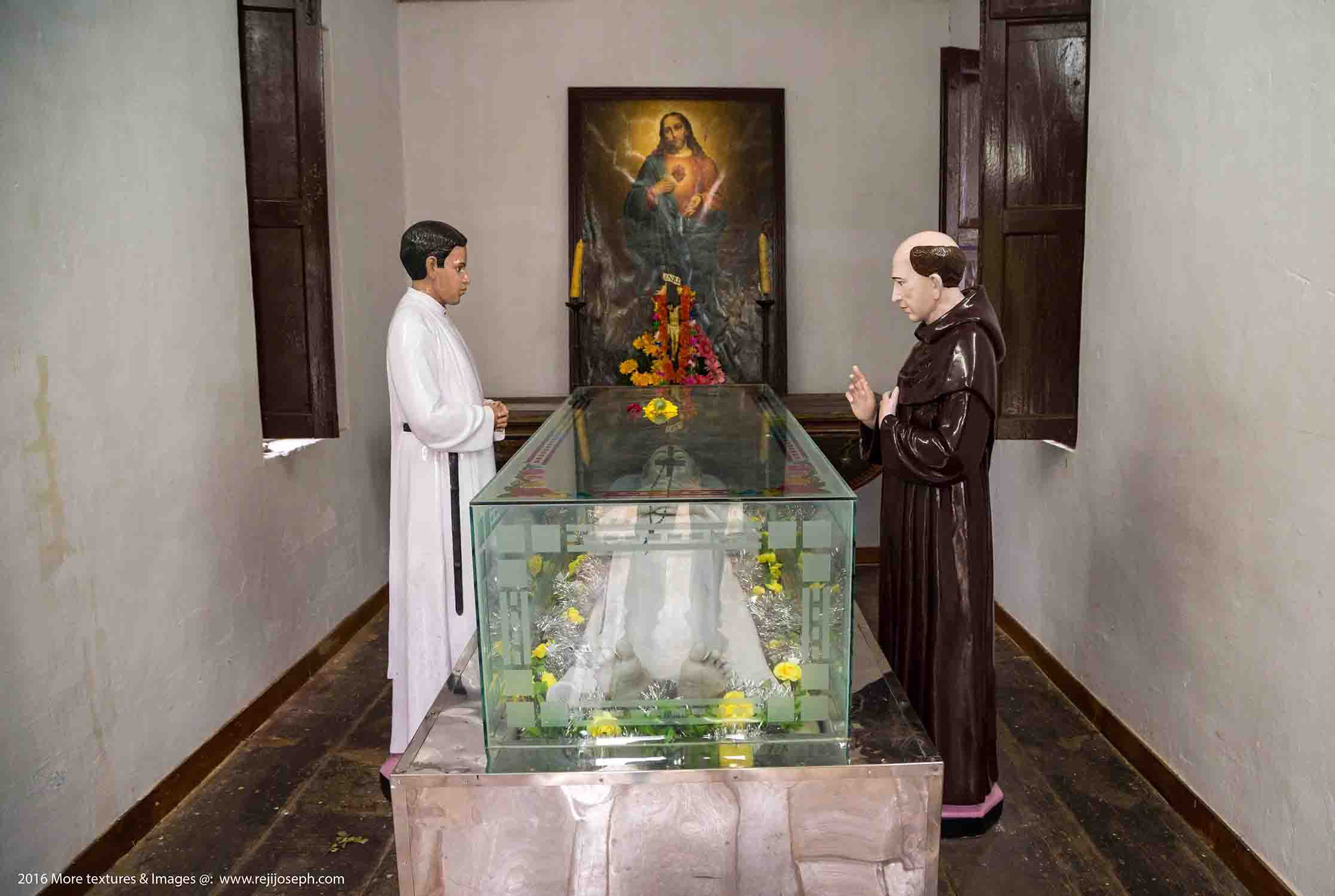 St. Kuriakose Elias Chavara's room Koonammavu 003