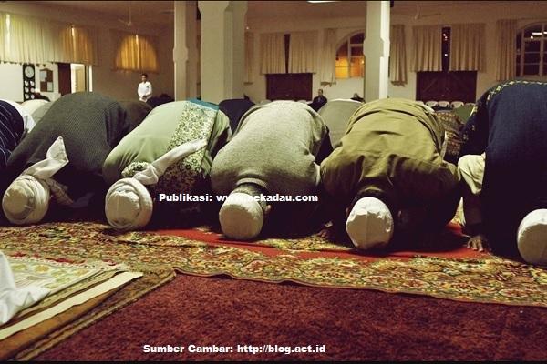 Hari Pertama Ramadhan, Mushola dan Masjid Penuh