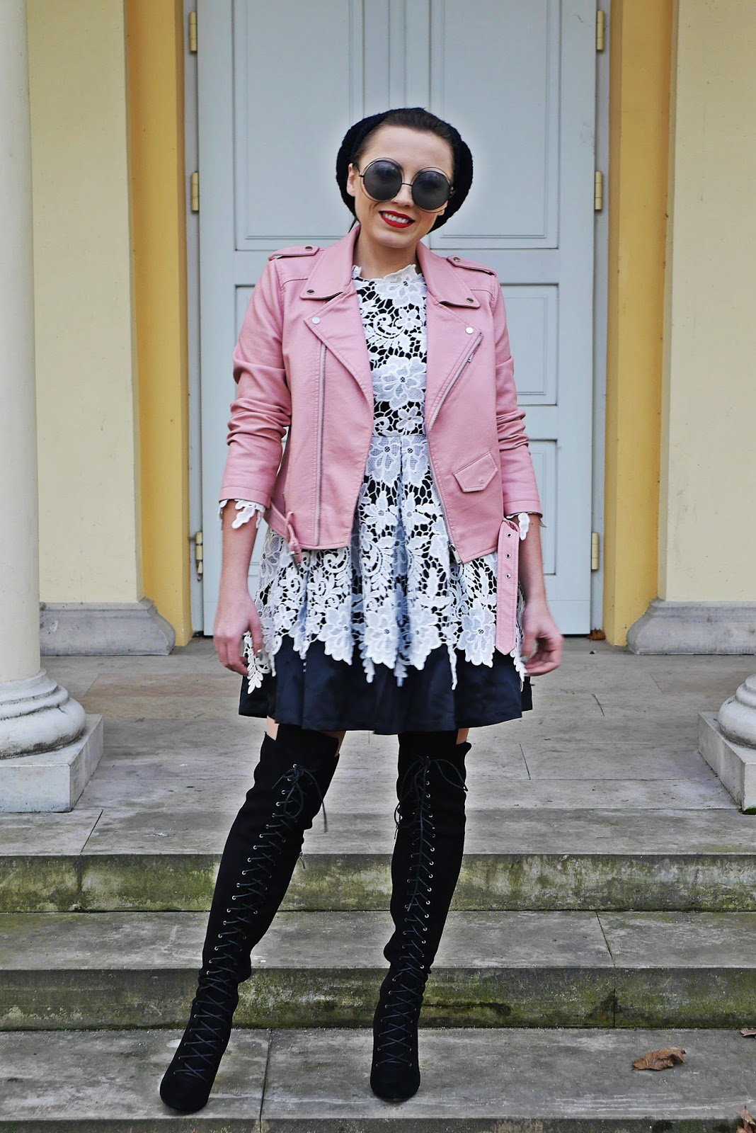 4_lace_dress_high_knee_boots_leather_pink_biker_jacket_karyn_blog_modowy_181217
