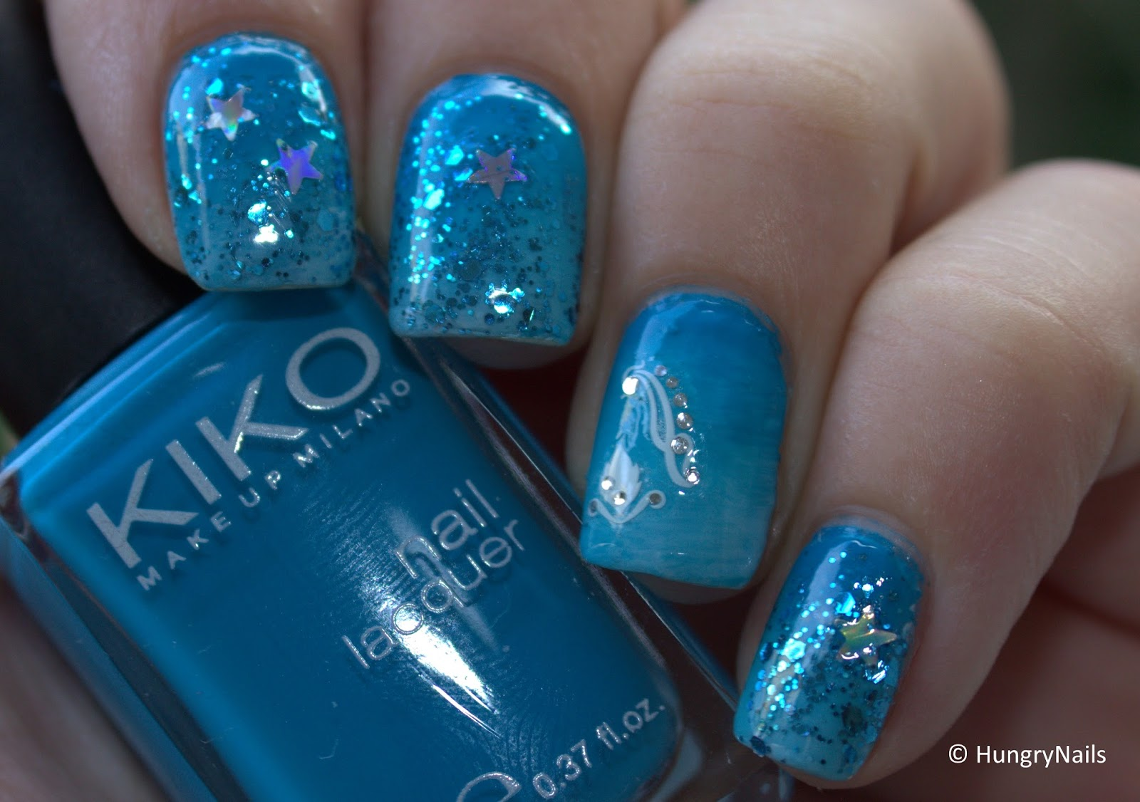 http://hungrynails.blogspot.de/2014/08/blue-friday-gradient-nails.html